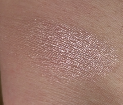 Bobbi Brown Highlighter Powder Pink Glow Swatch