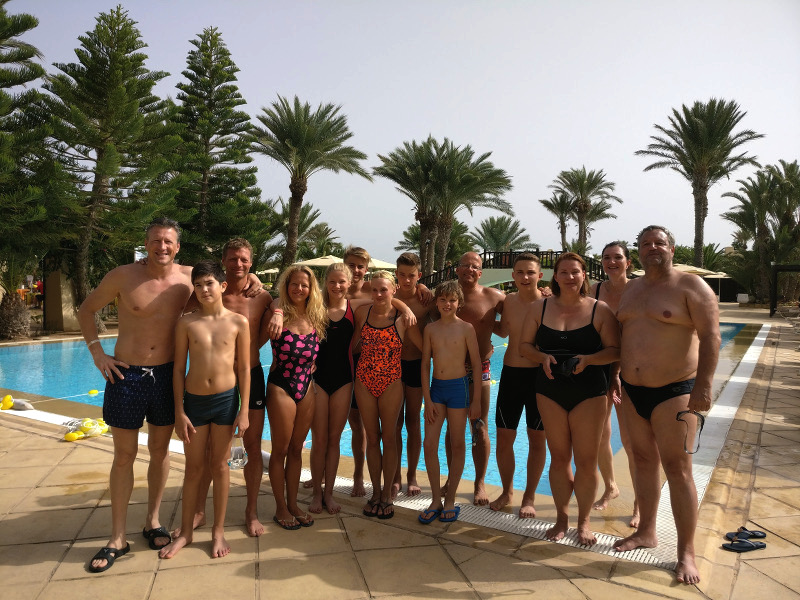 201610-djerba-schwimmen-2
