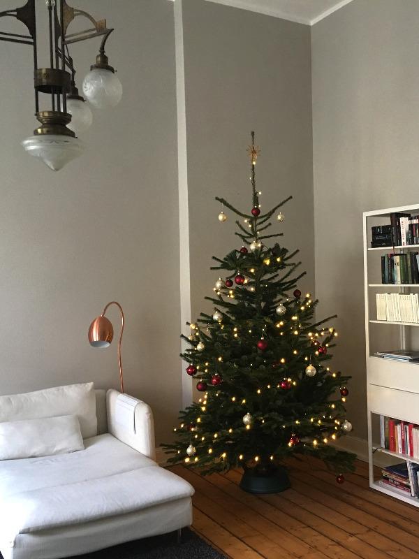 irit eser fr hliche weihnachten. Black Bedroom Furniture Sets. Home Design Ideas