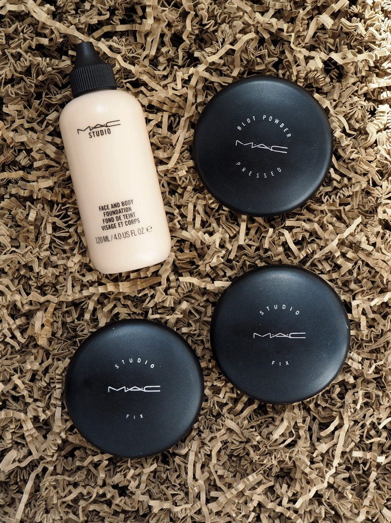 MAC Face and Body Foundation Blot Powder Studio Fix