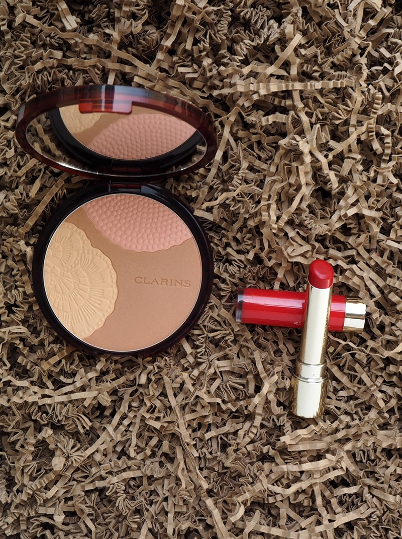 Clarins Sommermakeup Bronze Compact Harmonie 01 sunset glow Joli Rouge Lacquer Joli Rouge