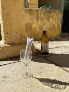 Alkohol und Duftstoffe in der Hautpflege – überdacht