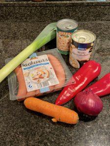 Wochenendrezept: weiße Bohnensuppe mit viel Gemüse und Würstchen