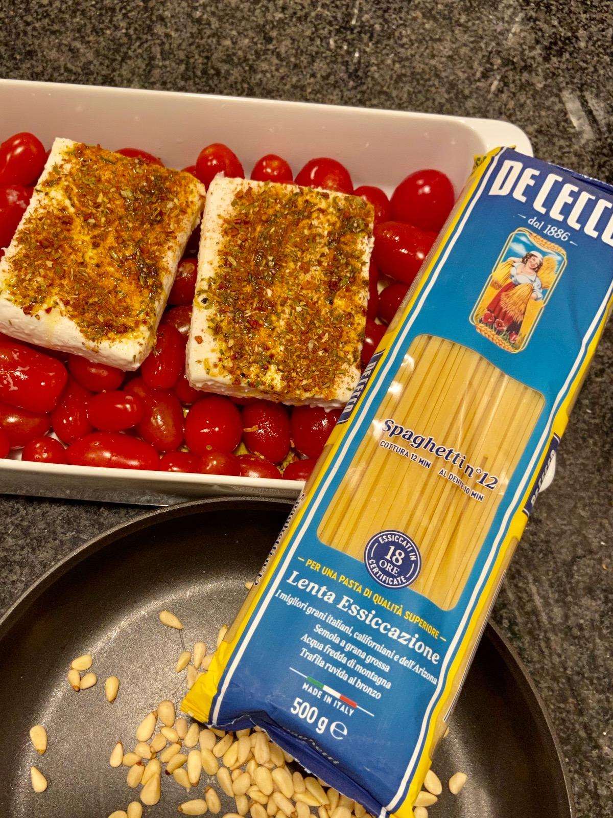 Wochenendrezept Pasta mit gebackenen Tomaten und Feta
